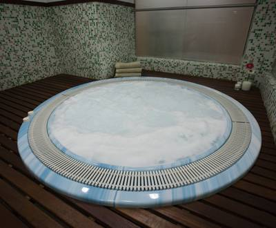 Jacuzzi Hotel Continental